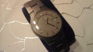 Yorn Horloge met metalen riempje wit-zilver Metaal