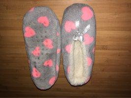 Scuffs grey-neon pink