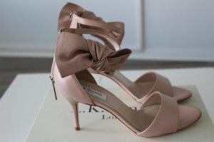 Herzogin Kates Schuhe - LK Bennett Agata Pink Bow Sandals