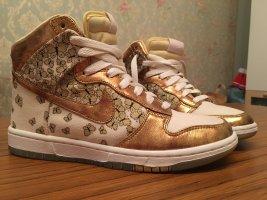 High Cut Sneakers Nike Butterfly