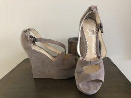 G&I Zapatos de cuña marrón arena-beige