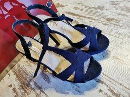 High Heels in dunkelblau