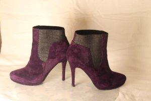 High Heels in dunkelviolett