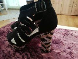 Sandały na obcasie biały-czarny