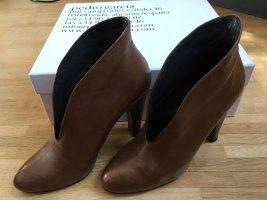 High Heels - Pedro Garcia