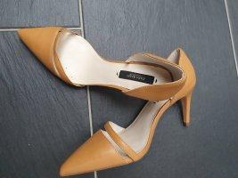 high heels  pumps on ZARA in hellbraun. neu