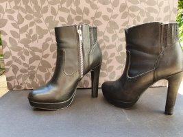 High-heels, Stiefeletten