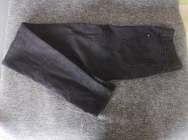 High Waist Jeans mit leicht ausgewaschenem Look