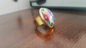 keine Zdobiony pierścionek malina-niebieski neonowy