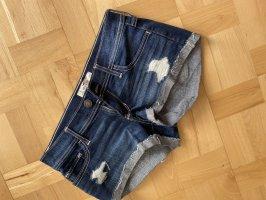 Holistster Shorts