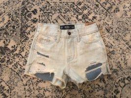 Hollister High Waist Denim Shorts Hot Pants Destroyed Risse Löcher Festival