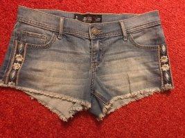 Hollister Shorts mit Stickerei an Seite Fransen