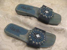 Sandalias con tacón azul