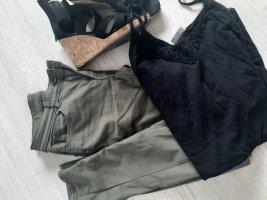 Hose in khaki