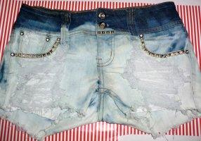 Hotpants gebleicht Jeans Shorts DIY Handarbeit Hose kurz bleached Jeansblau blau Nieten destroyed Miss Anna 38 S M