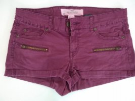 Hotpants purpur mit goldenen Verzierungen Gr.38