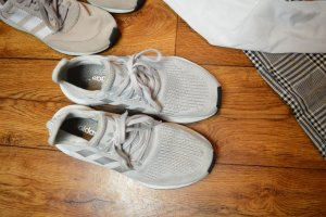 Adidas Sneaker stringata argento-grigio chiaro