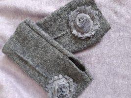 Puño gris oscuro tejido mezclado