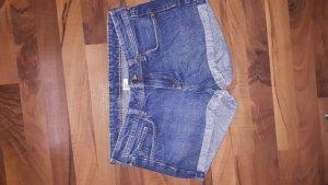 Hübsche Jeansshorts
