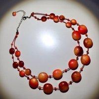 Collar rojo-naranja