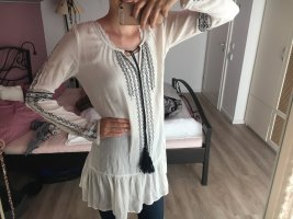 Hübsche längere Bluse
