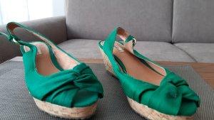 Hübsche Sandalen in grün