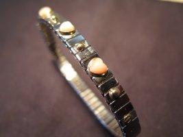 Hübsches Armband mit drei rosefarbigen  Herzchen, wertig verarbeitet