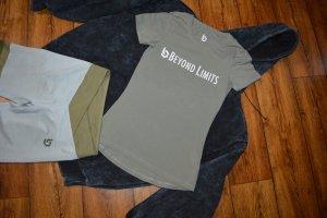 Hübsches Beyond Limits  T-Shirt Gr. 38 khaki