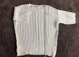 HUGO BOSS: romantischer weißer Pullover in Größe 38