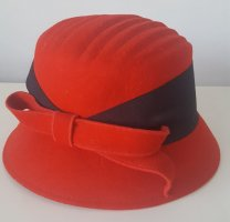 Woolen Hat red-black wool