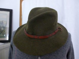 Sombrero de fieltro verde bosque