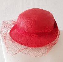 Cappello di paglia rosso mattone