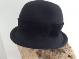 Hut schwarz aus Wolle