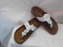 Sandały japonki z rzemykami biały