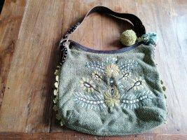Ich biete eine grüne Tasche von Esprit an.