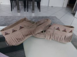 Tacones con cordones marrón grisáceo
