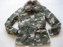 jacke parka H&M neu gr. s 36 camouflage