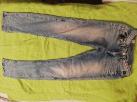 Jeans mit cooler Reißverschlussapplikation
