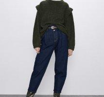Jeans mit Gürtel von Zara