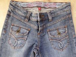 Jeans mit Spitzeneinsatz innen am Bund