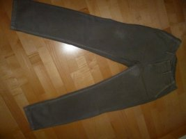 """Jeans, Top modisch; Modefarbe: steingrau, Gr 40, """"stonewashed"""", leicht hüftig, schmale Beinröhre"""