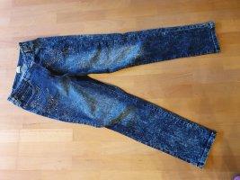 Jeanshose mit Strass und Nieten