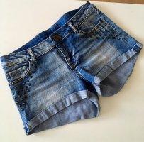 Jeansshort mit Nieten