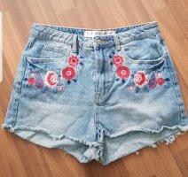 Short en jean bleu pâle