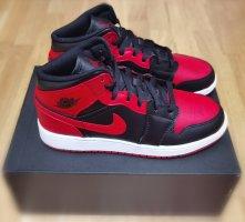 Air Jordan High top sneaker zwart-rood