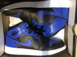 Air Jordan Basket montante bleu-noir