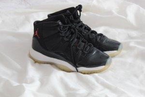Air Jordan Chaussure skate noir-rouge carmin