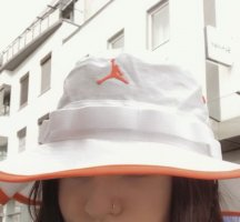 Air Jordan Bucket Hat white-neon orange