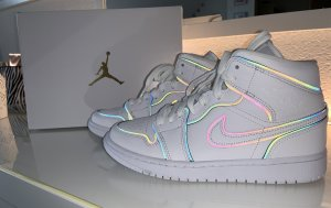 Air Jordan High top sneaker wit