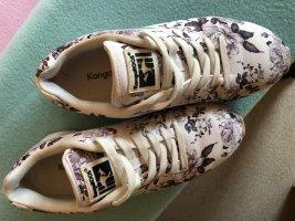 Kangaroos Sneaker, weiß mit grauen Blumen, Grösse 37